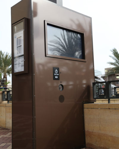 One-Gateway-Los-Angeles-Kiosk-(CS-Brown-Met-3M-ML)