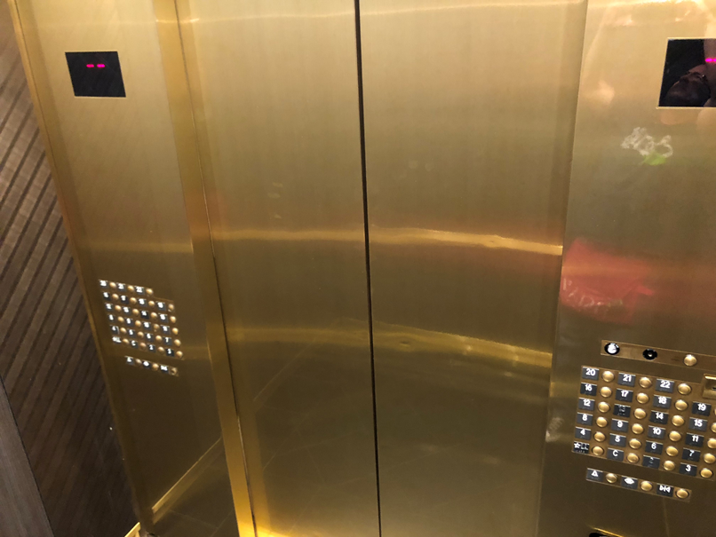 Ammco bus : Luxor hotel vegas elevator